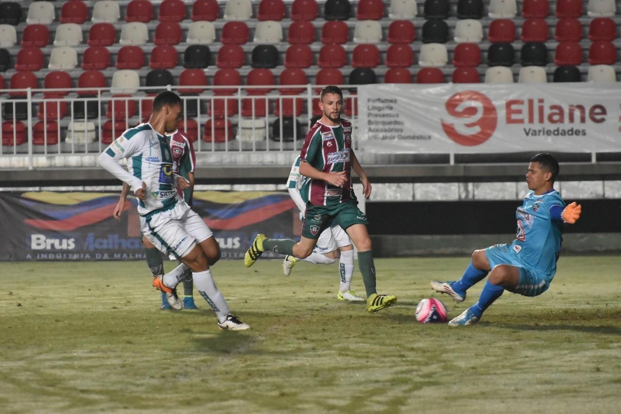 Olha o Fluminense ganhando do Metro ontem na Arena Joinville ea699a8fa273d